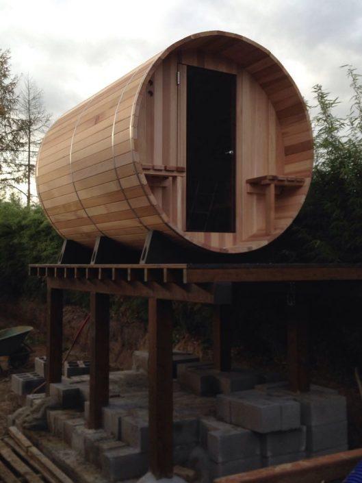 Barrel sauna op verhoging