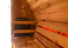 Barrelsauna panorama binnenkant met saunakachel